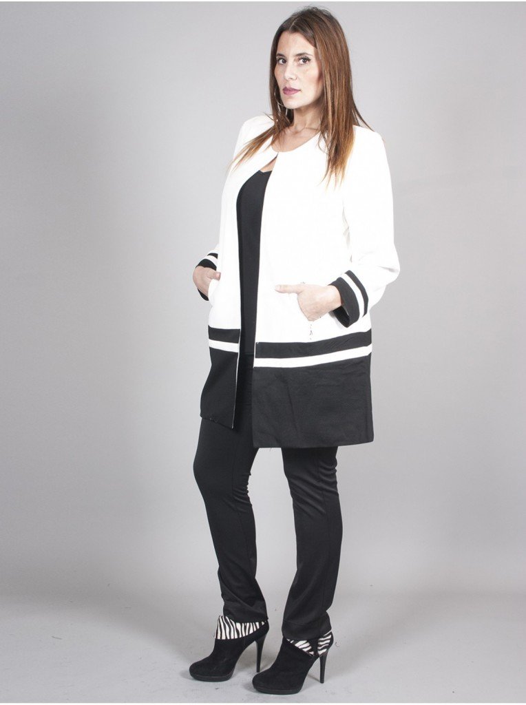 veste-trapeze-blanche-et-noire