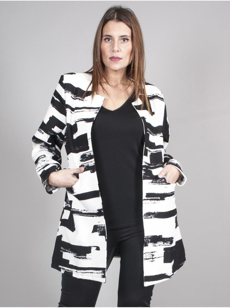 veste-trapeze-noire-et-blanche