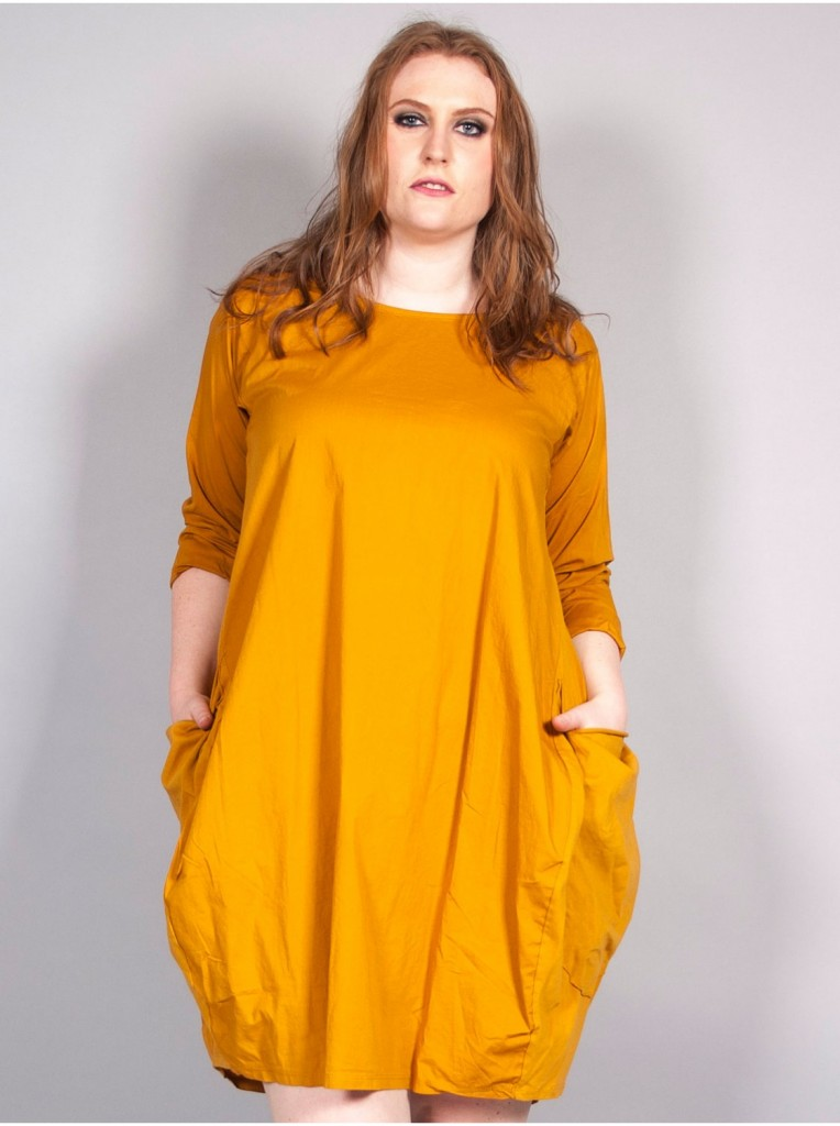 robe-bulle-a-poches-ocre